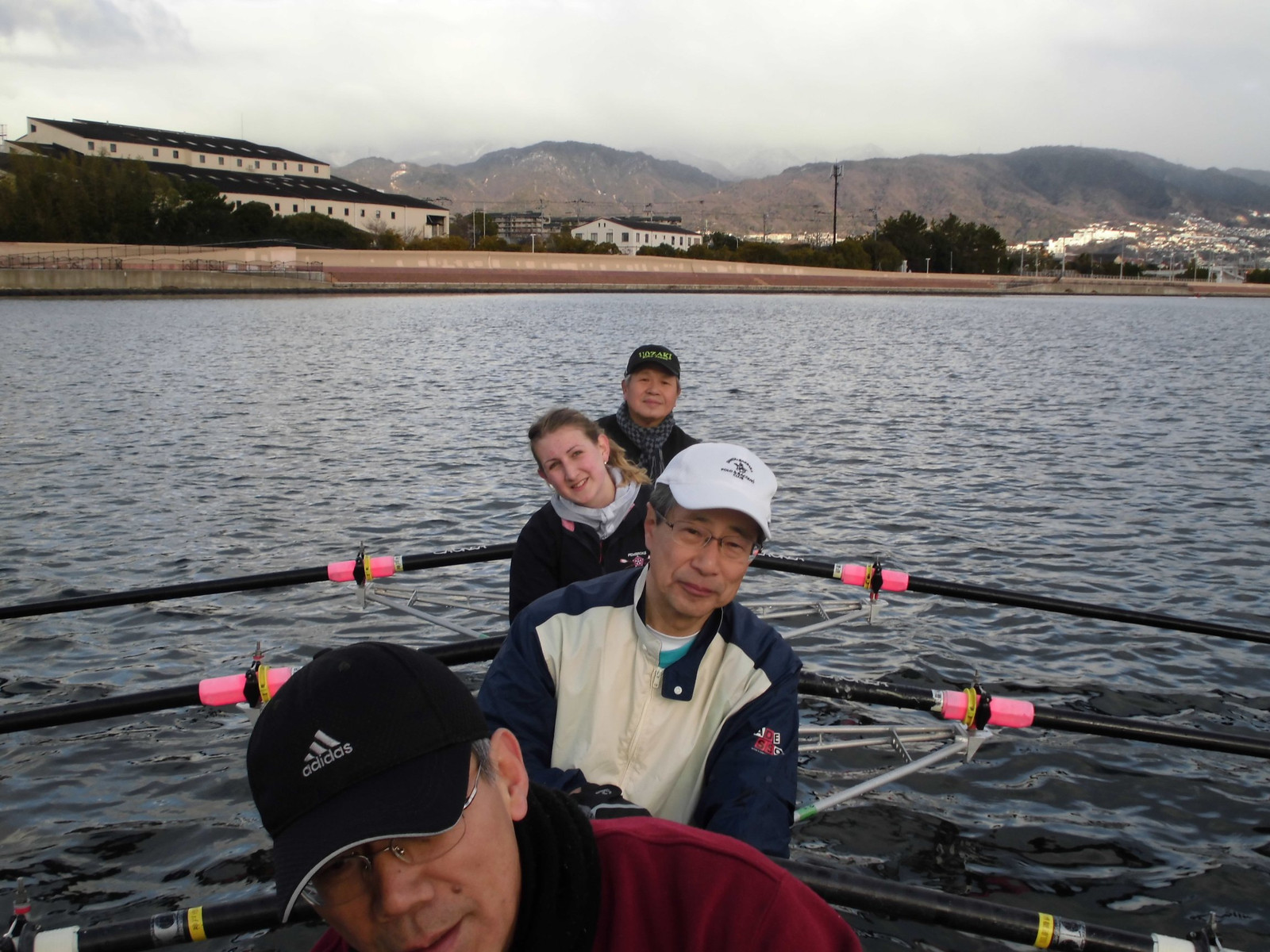 Rowing_a_quadruple